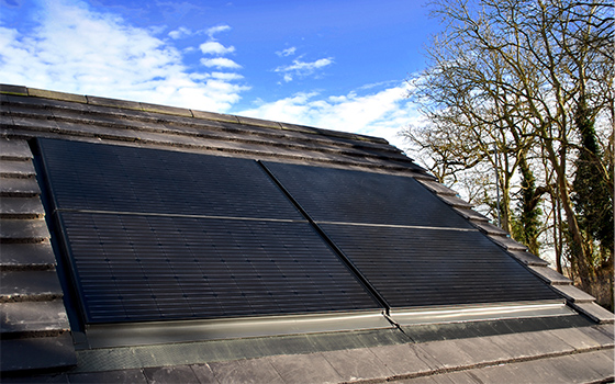 Roof integrated solar in landscape orientation